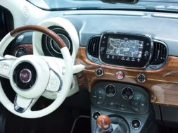TomTom Automotive als 'Innovation Supplier of the Year 2016' der Fiat Chrysler Automobiles Group ausgezeichnet