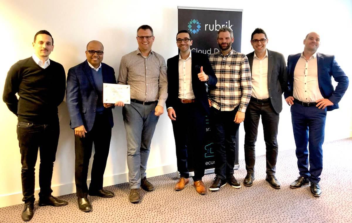 Ritterschlag für Amanox Solutions – erster Rubrik Elite Partner in EMEA