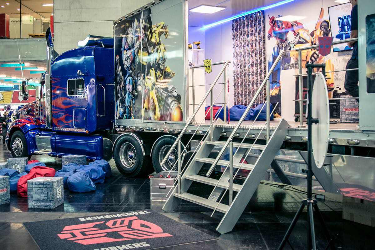 Transformers Optimus Prime Truck on the road again – Tourstart an der Fantasy Basel inkl. Wettbewerb