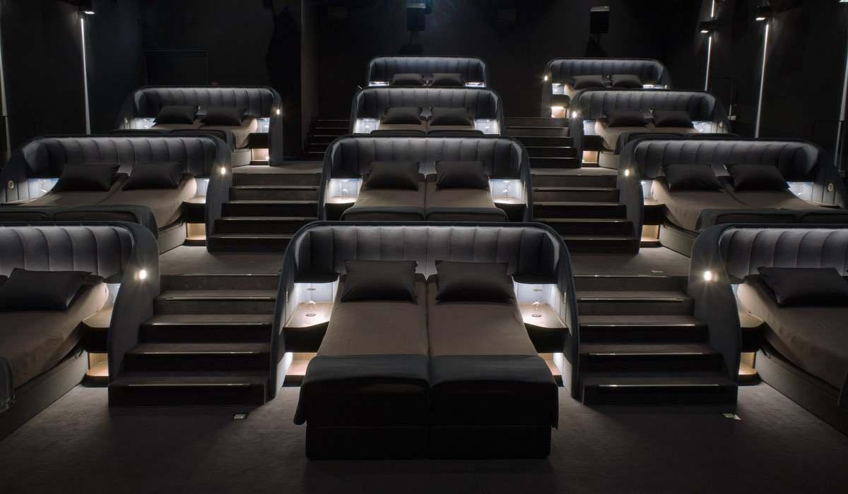 Betten im Kino