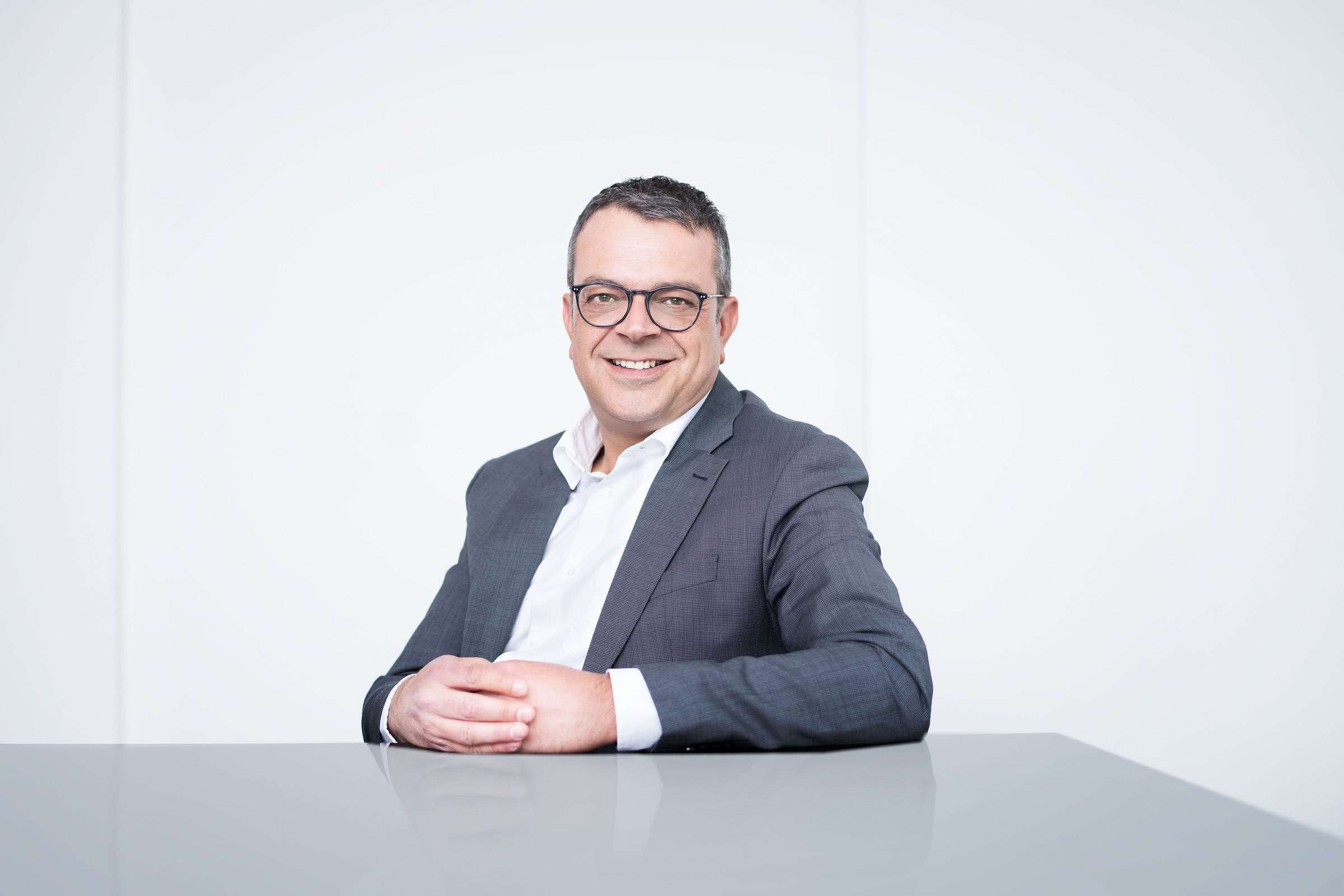 OPPO baut Schweizer Supportcenter auf